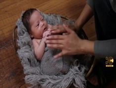 Newborn-Photography-Twist-Wrap-Tutorial