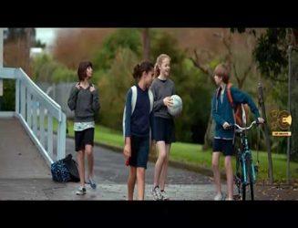 فیلم کوتاه برگزیده جشنواره های بین المللی-Eleven-by-Abigail-Greenwood-720p-cutnegative-com