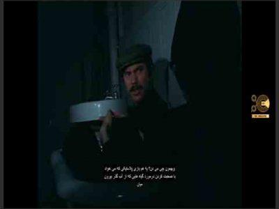 خلاصه داستان : مدتی در آینده نزدیک دو پیشکسوت از برخی درگیری ها هنگام نشستن در حمام به مکالمه می پردازند. از درنا (به انگلیسی: The Drain) فیلمی کوتاه به کارگردانی دیوید کروننبرگ در سال 1967 است.