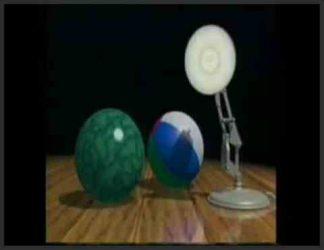 دو توپ در کنار یک چراغ مطالعه