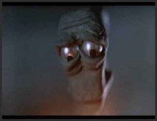 چهره غمگین یه موجود فضایی بیگانه